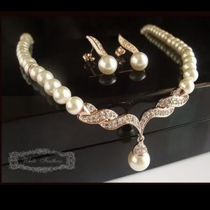 Mother of pearl necklace earring set